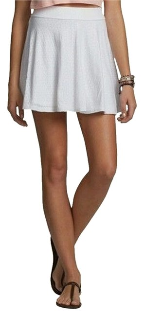 Preload https://img-static.tradesy.com/item/1482624/hollister-white-burnout-skater-skirt-size-8-m-29-30-0-0-650-650.jpg