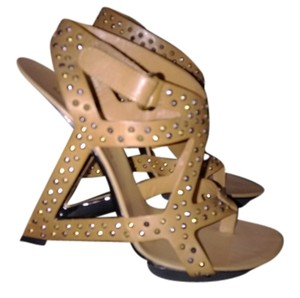 United Nude Size 6.5 Heels Studded United Camel Formal
