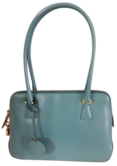 Preload https://item5.tradesy.com/images/salvatore-ferragamo-womans-shopper-hand-teal-leather-tote-1482869-0-0.jpg?width=440&height=440