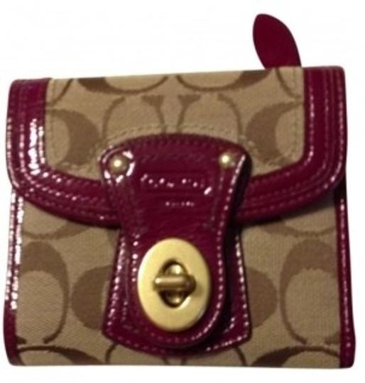 Preload https://item5.tradesy.com/images/coach-signature-w-purple-patent-trim-trifold-w-wallet-14829-0-0.jpg?width=440&height=440