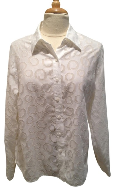Preload https://item3.tradesy.com/images/talbots-white-circle-patterned-button-down-top-size-14-l-1482932-0-0.jpg?width=400&height=650