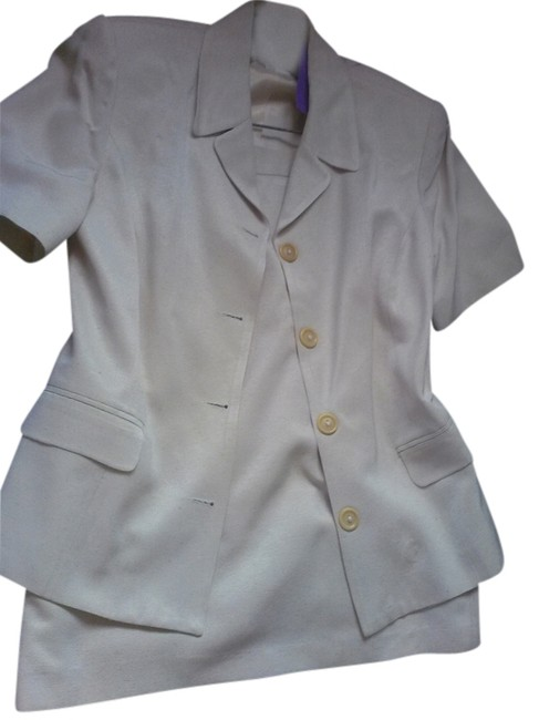 Item - Off White Made In France By Skirt Suit Size 6 (S)