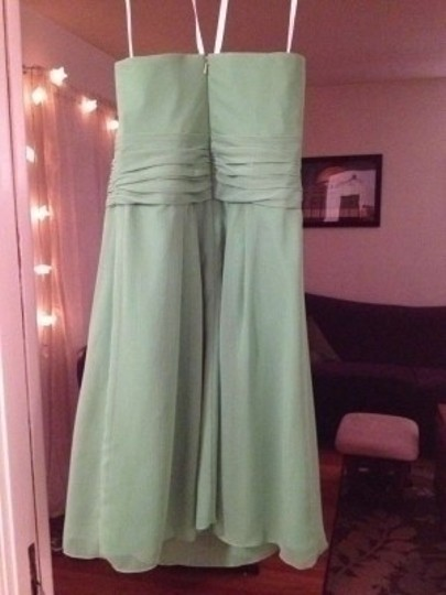 David's Bridal Green Chiffon Short Crinkle Front Cascade: Style F14847 Formal Bridesmaid/Mob Dress Size 2 (XS)