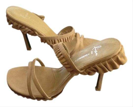 """Lisa for Donald J Pilner Suede Approximately A 4"""" Heel Ruffle Detail New And Unworn Dust Bag Included Tan Sandals"""