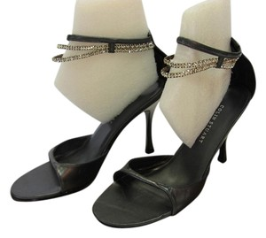 Colin Stuart Leather Size 6.00 M Excellent Condition Dark Gray Sandals