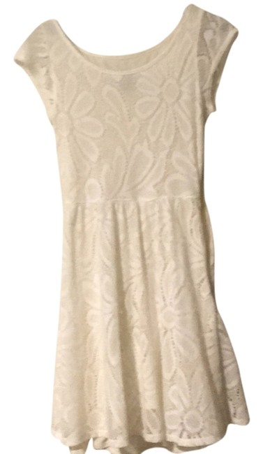 Preload https://item1.tradesy.com/images/deletta-white-above-knee-short-casual-dress-size-2-xs-14843245-0-1.jpg?width=400&height=650
