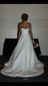 Mori Lee Ivory Lace Traditional Wedding Dress Size 0 (XS)