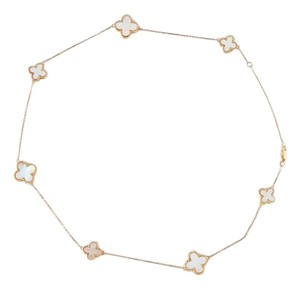 14 kt gold chain with 7 mother of pearl clovers