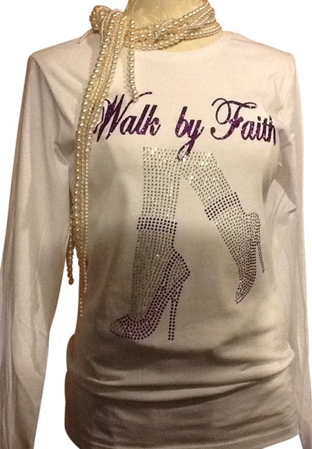 Preload https://item2.tradesy.com/images/white-tee-shirt-size-14-l-14849041-0-1.jpg?width=400&height=650