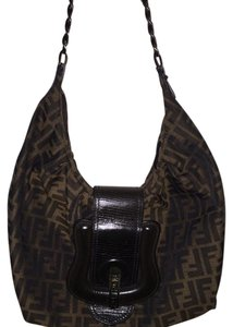 fdfcad3d93 Fendi B Bags - Up to 70% off at Tradesy