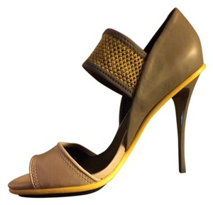 L.A.M.B. Modern Leather Open Toe Grey and yellow Pumps