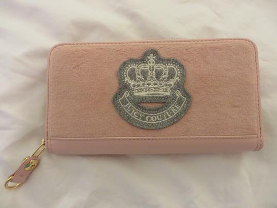 Preload https://img-static.tradesy.com/item/1485453/juicy-couture-pale-pink-wallet-0-0-540-540.jpg