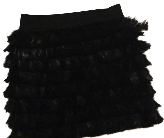 Preload https://img-static.tradesy.com/item/14857906/robbi-and-nikki-by-robert-rodriguez-black-feather-miniskirt-size-2-xs-26-0-1-650-650.jpg