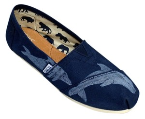 TOMS Canvas Dolphine Navy Flats