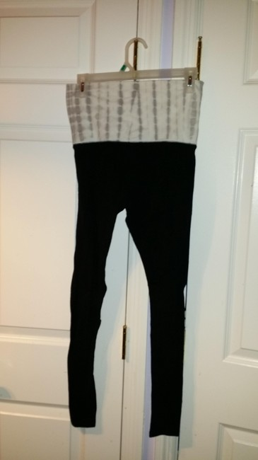 Mossimo Black with White Marble Top Leggings