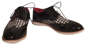 Johnston & Murphy Up Wingtip Patent Leather Designer Black, White Flats