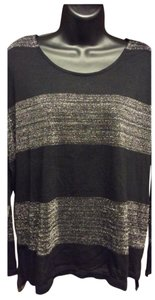 Vince Camuto Top Black and silver stripes