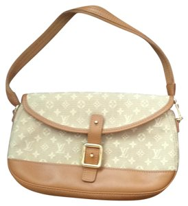 Louis Vuitton Satchel in Tan