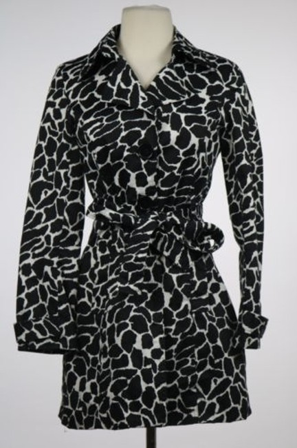 Preload https://item5.tradesy.com/images/luii-black-white-cottoncasual-long-sleeve-trench-coat-size-10-m-14862439-0-0.jpg?width=400&height=650