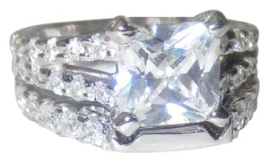 J Brand 925 Sterling Silver PRINCESS Cut Genuine Zircon Gemstone Split Shank Band Accents RING SIZE 5 6 7 8 9 10