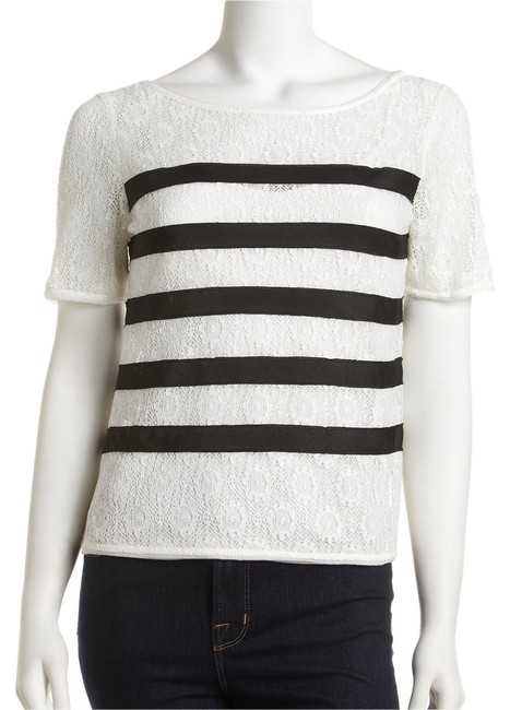 Preload https://item4.tradesy.com/images/bcbgmaxazria-cream-and-black-na-blouse-size-2-xs-14863063-0-1.jpg?width=400&height=650