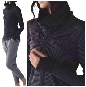 Lululemon New With Tags Lululemon In The Cinch Long Sleeve Reversible Size 4 Heathered Black