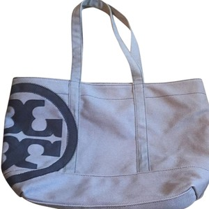 Tory Burch Beach Pool Tote in Light and dark blue