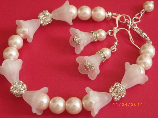 Pink Of 6 Bridesmaid Bracelets and Earrings Grey Cream Or Rhinestone Jewelry Set