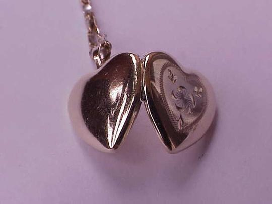 Other Victorian 14kt Yellow Gold Locket Beautiful Great Condition