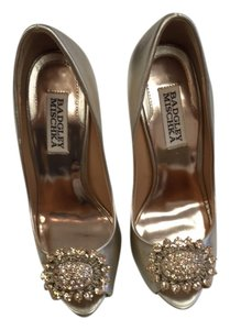 Badgley Mischka High Peeptoe Formal Evening Go Out gold Pumps