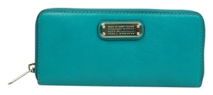 Marc Jacobs Slim Zip Around Wallet M156-42 Bin 110
