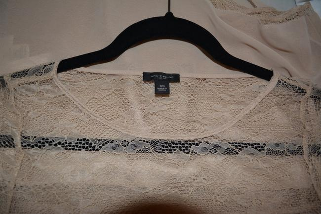 Ann Taylor Work Wear Xs Lace Black Top Nude