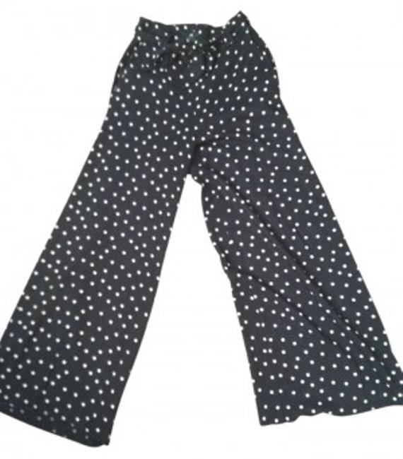Preload https://img-static.tradesy.com/item/148731/h-and-m-black-with-peach-polka-dots-wide-leg-pants-size-4-s-27-0-0-650-650.jpg