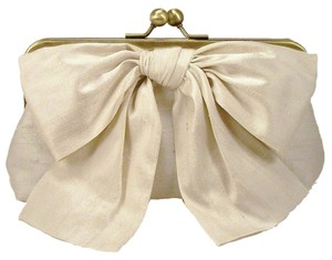 ViaBella Cream Clutch