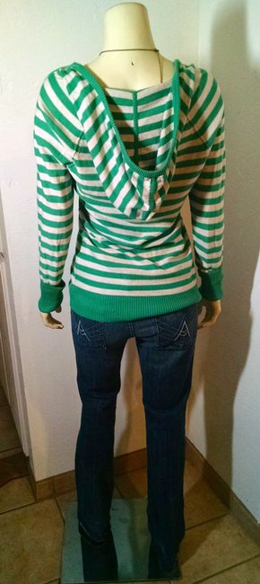 American Eagle Outfitters P988 Size Medium Sweater