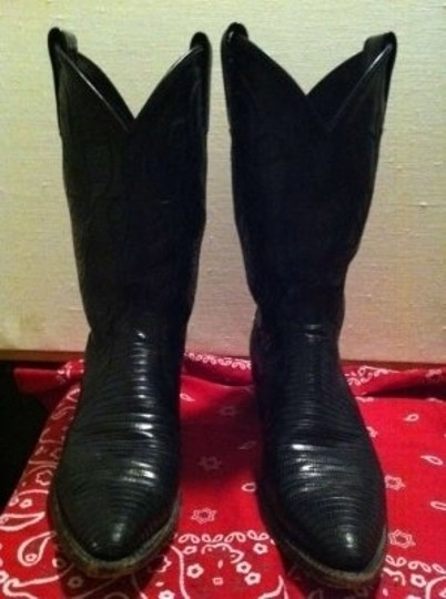 Dan Post Lizard Leather Upper Stitching And Leather Soles One Inch Heel Black Boots