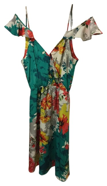 Preload https://img-static.tradesy.com/item/14875360/mm-couture-green-floral-print-on-or-off-shoulder-flirty-above-knee-short-casual-dress-size-2-xs-0-1-650-650.jpg