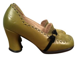 John Fluevog green Pumps