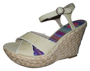 Rocket Dog Wedge Platform tan Sandals