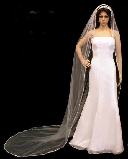 Preload https://item2.tradesy.com/images/whitesilver-long-120-pearl-and-rhinestone-beaded-royal-cathedral-bridal-veil-14881651-0-0.jpg?width=440&height=440