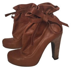 Marc by Marc Jacobs Leather Camel Boots
