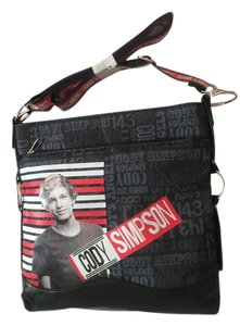 Accessory Innovations Simpson Cross Body Bag