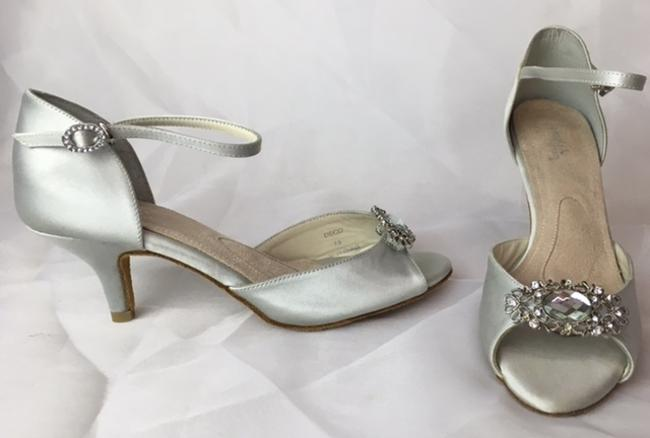 Item - Silver Deco Sandals Size US 7.5