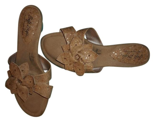 Item - Tan Soft Style By Sandals Size US 7.5 Regular (M, B)