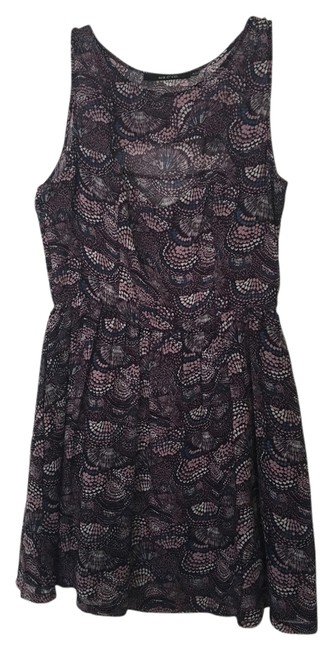 Preload https://item5.tradesy.com/images/ark-and-co-purple-cutout-print-mid-length-short-casual-dress-size-8-m-14885419-0-1.jpg?width=400&height=650
