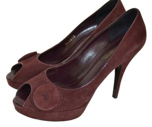 Louis Vuitton Burgundy Pumps