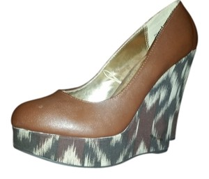 Dollhouse Never Worn Size 7.5 Brown Ultra High Cognac upper natural print wedge Wedges