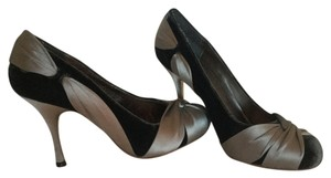 Max Studio Velvet Evening Gray/Silver Pumps