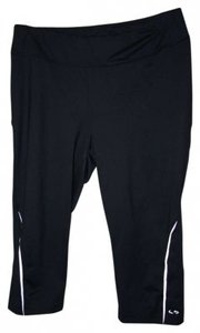 Champion 88% Polyester 12% Spandex Tight Running Capri With Side Reflectors
