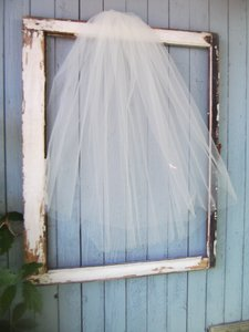 Two Layer Elbow White Blusher Wedding Veil 25x31 Short